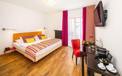 BELLEVUE HOTEL BENEŠOV 1133612347