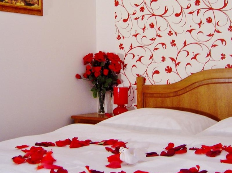 Romantic Double Room - Stay for discreet love Prague