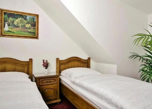 Golden-Golem-hotel-2