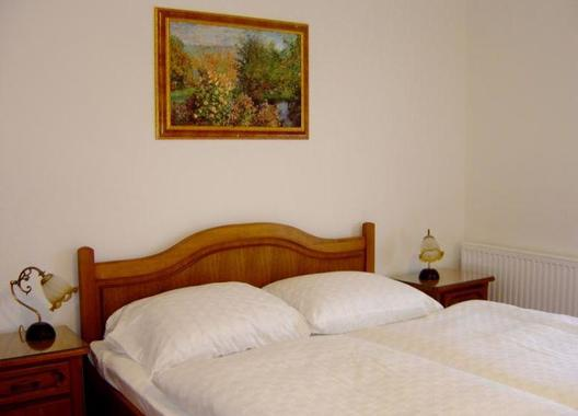 Golden-Golem-hotel-8