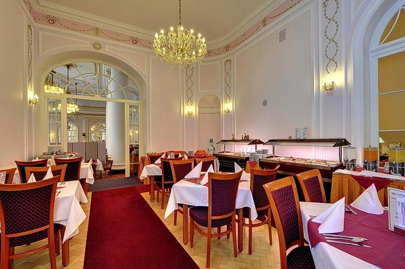 Radium Palace Spa Hotel 11