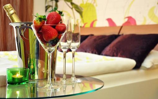 Design hotel RomantiCK Romantické uvítání na superior pokoji Magnolie.