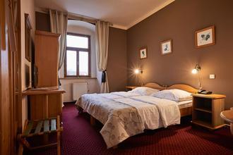 Panství Bechyně - hotel Panská a penzion Černická obora Bechyně 45146512