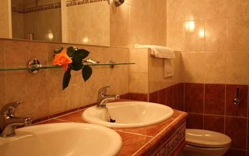 Hotel Bajkal 1157480189