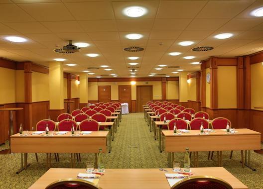 PRIMAVERA-Hotel-&-Congress-centre-43