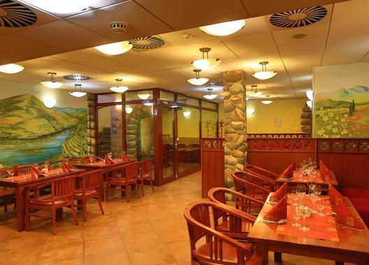 PRIMAVERA-Hotel-&-Congress-centre-24