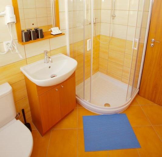 Double Room Shower, toilet, bathroom, hairdryer, SAT TV, cable TV.