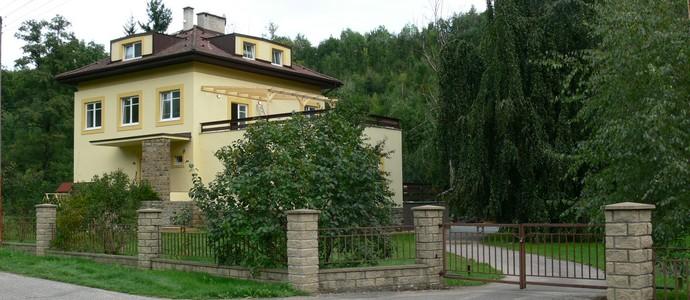 Penzion Továrníkova vila Skuhrov nad Bělou