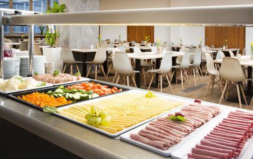 OREA Resort Santon Brno snidane1