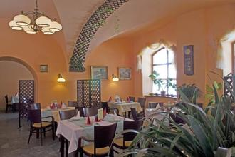 Městský Hotel Dorinka Hostinné 47523454
