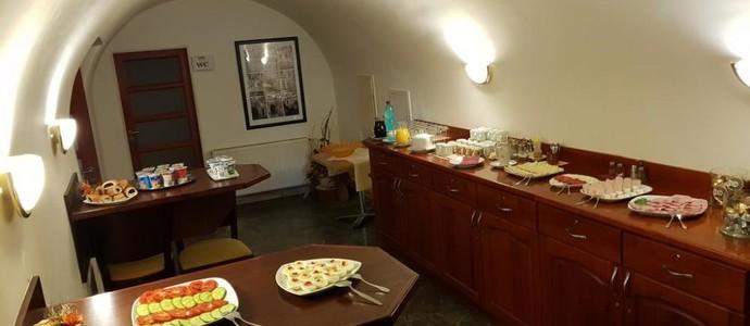 Městský Hotel Dorinka Hostinné 1125446113