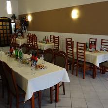Hotel ZLATÝ KŘÍŽ Kaplice 35665552