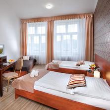 ERMI HOTEL Jince 39776216
