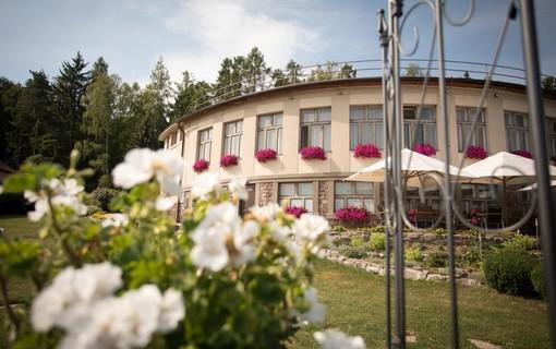 Dámská jízda-ERMI HOTEL 1153953817