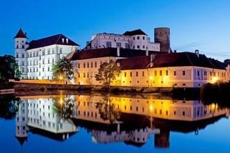 Hotel Concertino Zlatá Husa -Jindřichův Hradec-pobyt-Noc v Jindřichově Hradci