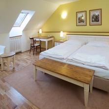Dolce Villa Hotel Praha 36949340