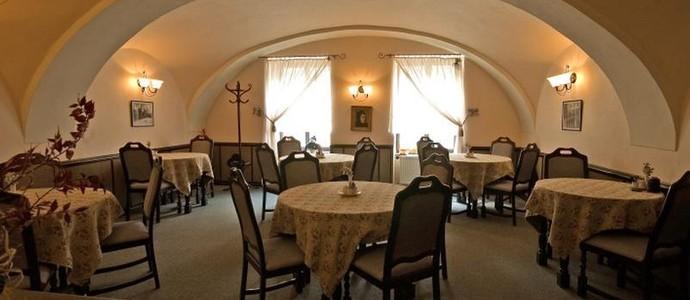 Hotel BÍLÁ PANÍ Jindřichův Hradec 1127891327