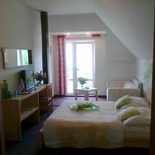 Hotel Maxim Beroun 33505112