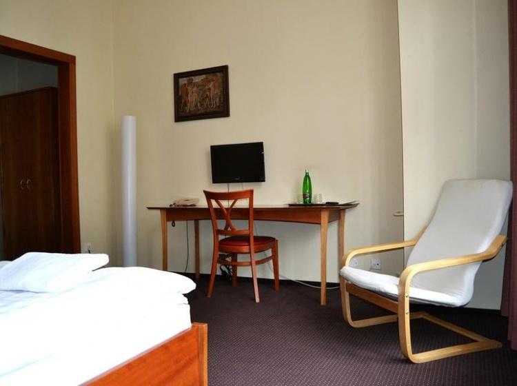 HOTEL PRAHA Liberec 1155088221 2