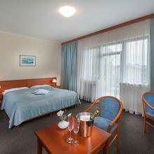 APRIL HOTEL PANORAMA Rychnov nad Kněžnou 45754872