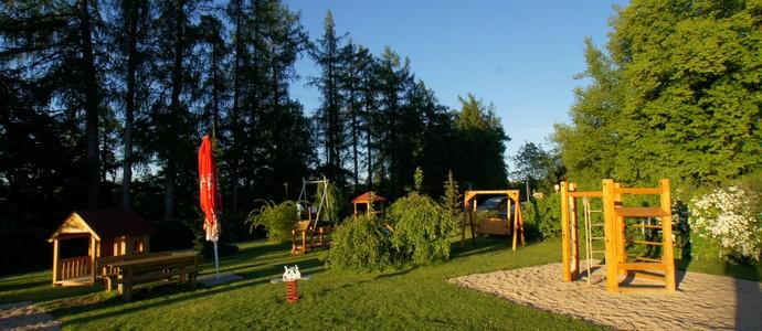 APRIL HOTEL PANORAMA-Rychnov nad Kněžnou-pobyt-Rodinný pobyt na 5 nocí pro rodiny s dětmi do 10ti let