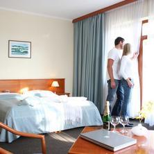 APRIL HOTEL PANORAMA-Rychnov nad Kněžnou-pobyt-Romantická noc