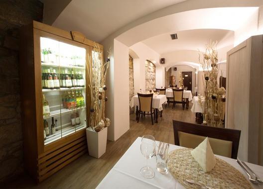 Hotel-a-restaurace-Green-Gondola-15