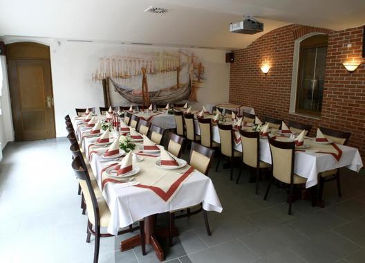 hotel-a-restaurace-green-gondola_sal-venezia-8