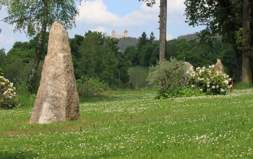Parkhotel Kašperské Hory menhir a hrad Kašperk