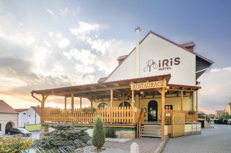 Hotel IRIS Budova