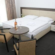 HOTEL MALTA Karlovy Vary 44760612