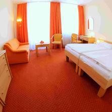 Hotel FLORA-Mariánské Lázně-pobyt-Léčebný pobyt pro seniory