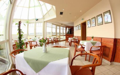 Hotel FLORA 1154903259