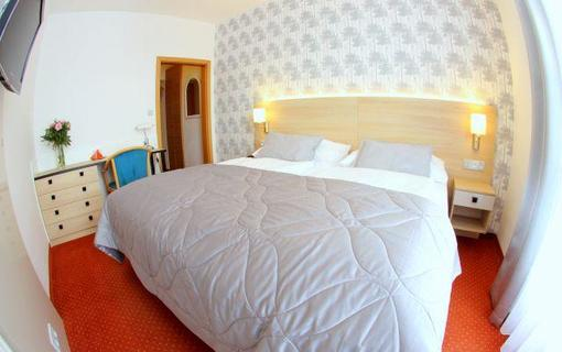 Hotel FLORA 1154903251