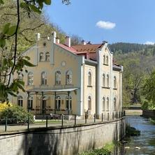 VILLA BASILEIA Riverside - Karlovy Vary