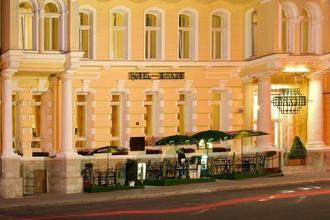 HOTEL MAXIM
