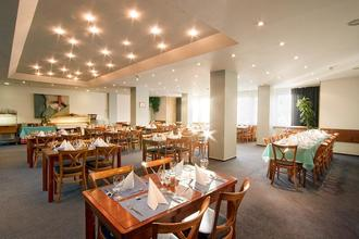 Hotel Fortuna West Praha 38892638