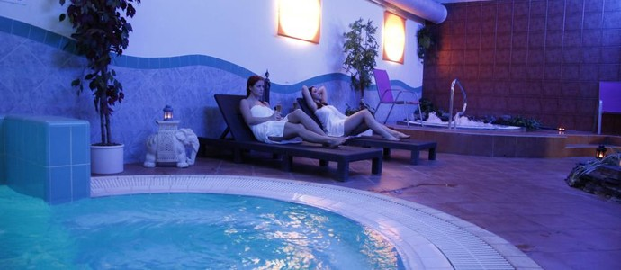 WELLNESS HOTEL SYNOT-Staré Město-pobyt-Wellness pohádka na Slovácku pro 2 na 3 dny s polopenzí a neomezeným wellness