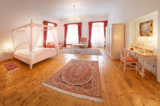 Hotel RŮŽE Rožmberk nad Vltavou 37041870