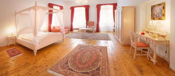 Hotel RŮŽE Rožmberk nad Vltavou 1128111825