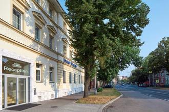 HOTEL NIKOLAS Ostrava 550921686