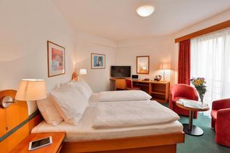 Hotel Troja Praha 49320642