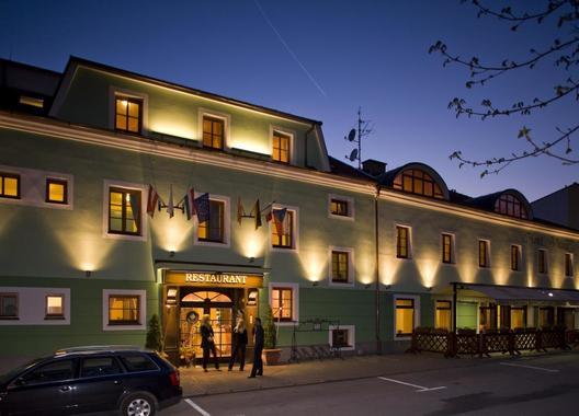 Hotel-VLTAVA-1