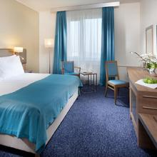 HOLIDAY INN PRAGUE CONGRESS CENTRE Praha 674965644