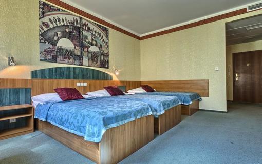WELLNESS HOTEL BABYLON Třílůžkový pokoj