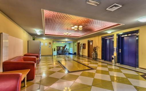WELLNESS HOTEL BABYLON Hala
