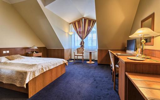 WELLNESS HOTEL BABYLON 1155011491