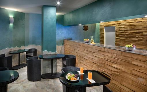 WELLNESS HOTEL BABYLON Sauna bar