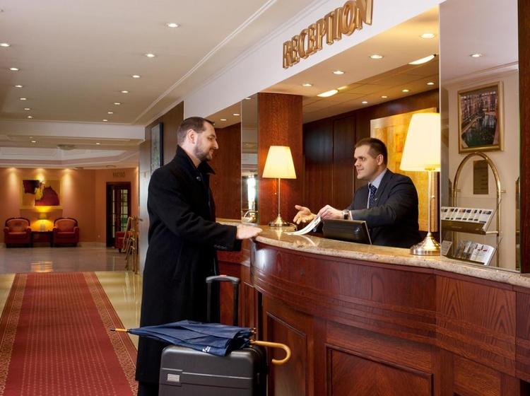 Chateau Monty SPA Resort Recepce 2