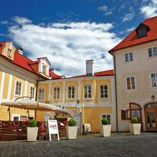 Hotel Bellevue Český Krumlov 42525734